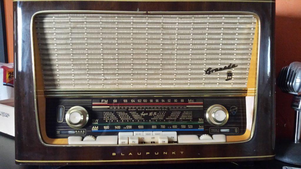 radio-869588
